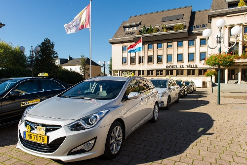 luxembourg airport taxi service hyundai i40