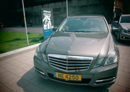 luxembourg airport limousine taxi mercedes e class