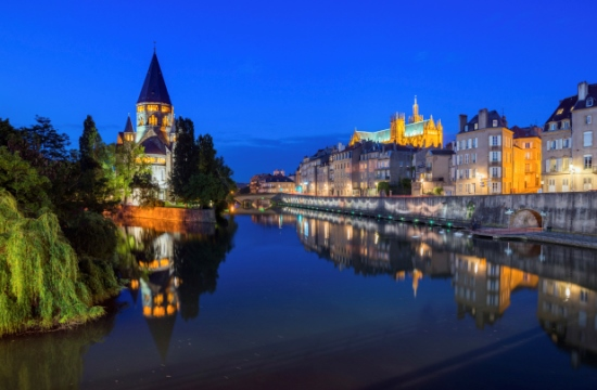minibus and taxi transfers from luxembourg airport to metz france